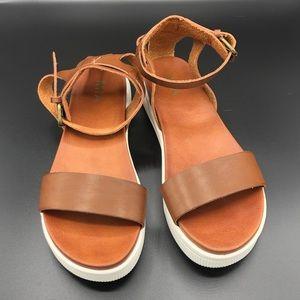 MIA Ellen White Sole Sandals in Cognac in 7.5